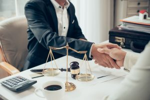 When Should I Call a Lawyer to Be on My Personal Injury Case?